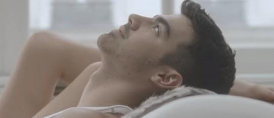 Joe Jonas in zijn onderbroek