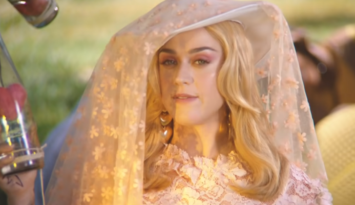 Katy Perry over buurvrouw Adele