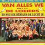 Details Van Alles Wè m.m.v. C.V. De Loeiers - En Nou Die Hèndjes De Lucht In