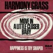 Coverafbeelding Harmony Grass - Move In A Little Closer Baby