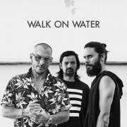 Coverafbeelding 30 Seconds To Mars - Walk on water