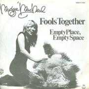 Coverafbeelding Maggie MacNeal - Fools Together