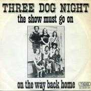 Coverafbeelding Three Dog Night - The Show Must Go On