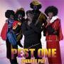 Details Pest One - Zwarte piet