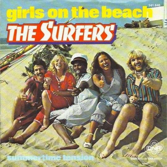 Coverafbeelding Girls On The Beach - The Surfers