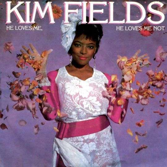Coverafbeelding Kim Fields - He Loves Me, He Loves Me Not