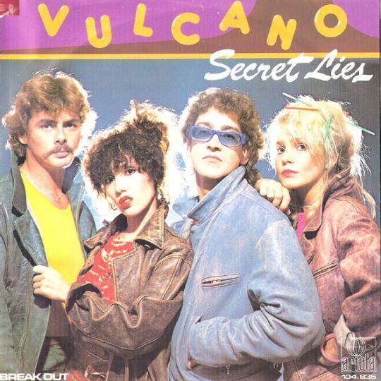 Coverafbeelding Secret Lies - Vulcano