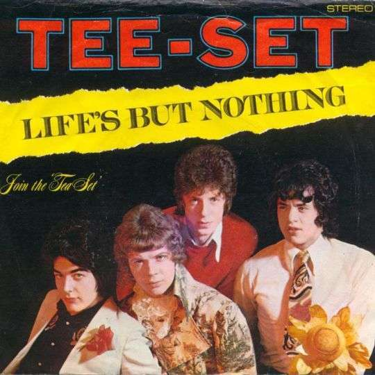 Coverafbeelding Life's But Nothing - Tee-Set