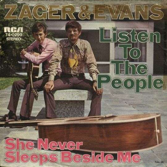 Coverafbeelding Listen To The People - Zager & Evans