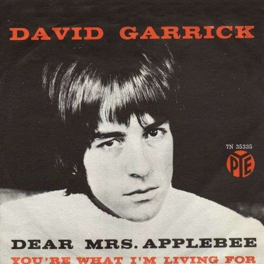 Coverafbeelding Dear Mrs. Applebee - David Garrick