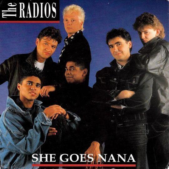 Coverafbeelding The Radios - She Goes Nana