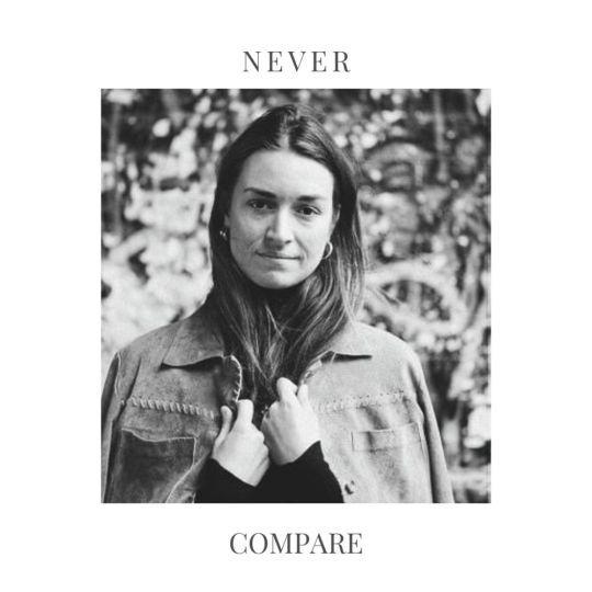 Coverafbeelding Savine - Never Compare