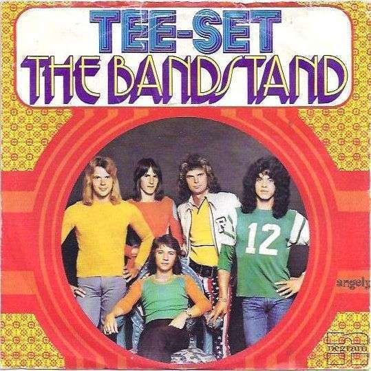 Coverafbeelding The Bandstand - Tee-Set