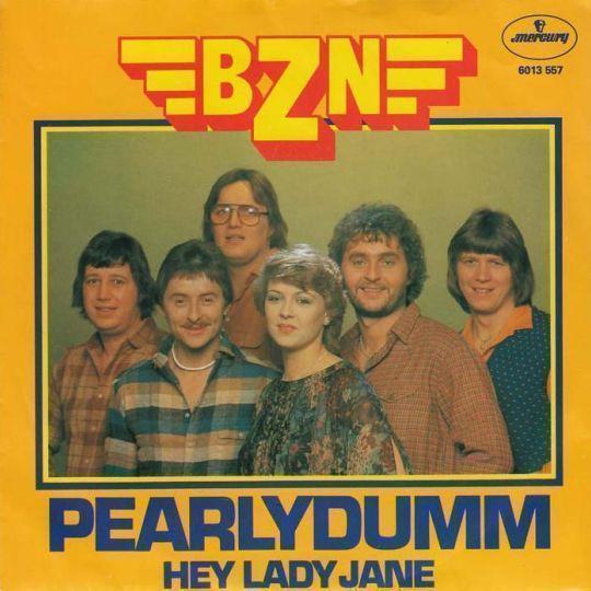 Coverafbeelding Pearlydumm - Bzn