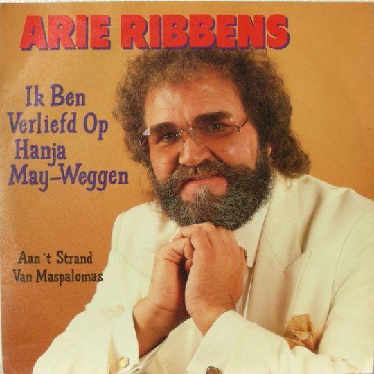 Coverafbeelding Ik Ben Verliefd Op Hanja May-Weggen - Arie Ribbens