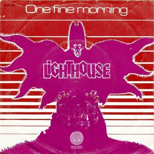 Coverafbeelding One Fine Morning - Lighthouse