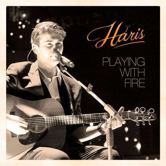 Coverafbeelding Playing With Fire - Haris
