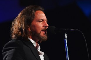 Eddie Vedder covert John Lennons Imagine