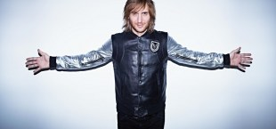 David Guetta passeert Robbie Williams