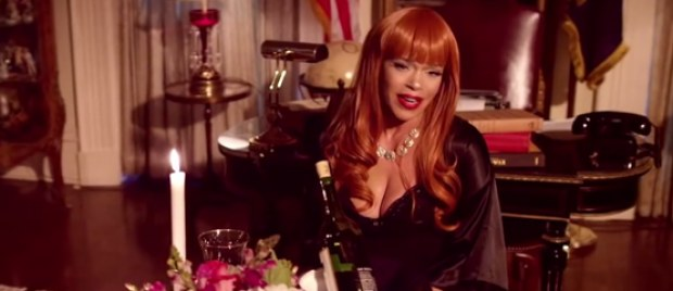 Faith Evans geeft zich 'bloot'